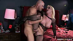 Punk blonde chick in mesh gets her face smeared with hot spunk