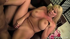 Voluptuous mature woman can't wait to taste a bulging young dick