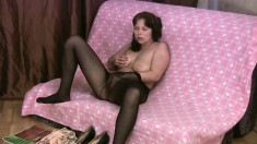 Voluptuous brunette in black pantyhose Edeline rubs her hungry peach