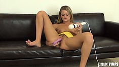 Heather Starlet goes nuts using a dildo and a vibe on her cunt