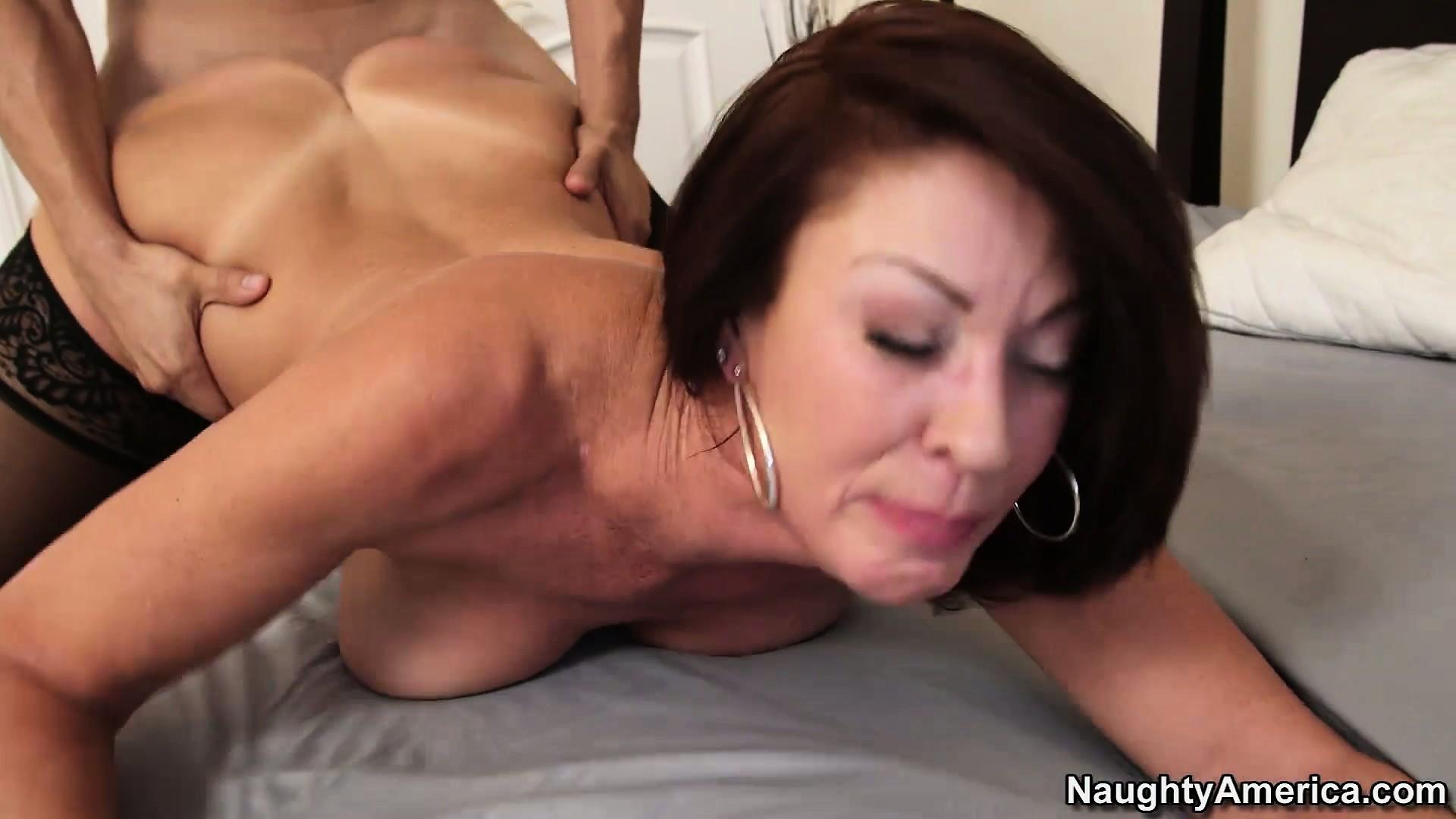 free erotic female wrestling clips
