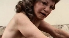This naughty granny with wrinkled body sure needs her pipes cleared