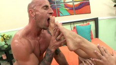 Amy can't get enough of a stud licking her feet and hammering her twat
