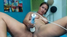 Fat mature masturbating on webcam