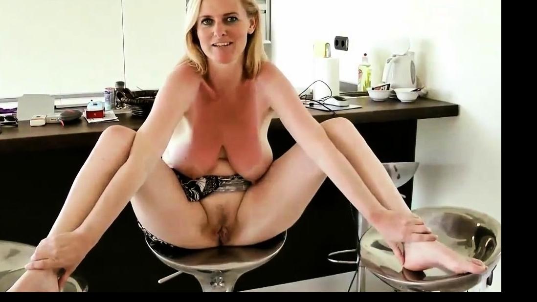 Porn lesbiennes MILF